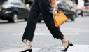 11 μαύρα τζιν παντελόνια για τα πιο κομψά καθημερινά looks