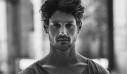 Οι κοιλιακοί του έλληνα ηθοποιού που τρέλαναν το διαδίκτυο (φωτό)