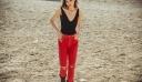 Εσύ ξέρεις γιατί φέτος όλες πρέπει να φορέσουμε ένα κόκκινο jean;