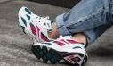 Τα OG αθλητικά από τα '90s επιστρέφουν. Τα running shoes σε άλλο επίπεδο