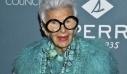 Η Iris Apfel στα 97 της χρόνια υπογράφει το πρώτο της συμβόλαιο ως μοντέλο