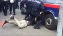 Βαν της αστυνομίας παραλίγο να περάσει πάνω από κεφάλι διαδηλωτή