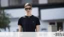 7 κομψοί και cool τρόποι να φορέσεις το basic T-shirt σου