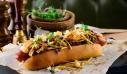 Εστιατόριο σερβίρει χοτ ντογκ – «μαμούθ» και το τρως ακόμα και τζάμπα