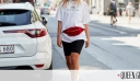White Tee: 5 νέοι τρόποι να φορέσεις το πιο κλασικό είδος μπλούζας αυτό το καλοκαίρι