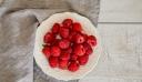 Ο λεκές από κόκκινα φρούτα είναι δύσκολος αλλά μπορείς να τον καθαρίσεις