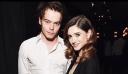 CoupleGoals: Μόλις δεις τι έκανε ο Charlie Heaton για τα γενέθλια της κοπέλας του Natalia θα λιώσεις