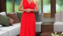 Φωτιά στα κόκκινα! Η total red εμφάνιση της Ελένης Μενεγάκη στην πρεμιέρα μας αρέσει πολύ (photos)