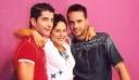 Aκρως Οικογενειακόν: Τα τρία αδέρφια της σειράς του ANT1 ποζάρουν μαζί 15 χρόνια μετά (φωτό)
