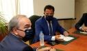 Σε καραντίνα Γεωργιάδης και Παπαθάνασης μετά από συνάντηση με επενδυτή που βγήκε θετικός