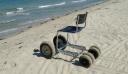 Υπέροχη πρωτοβουλία στη Λάρισα: Αστυνομικός κατασκεύασε αμαξίδιο παραλίας για ΑμεΑ