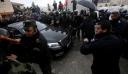 """Χάος στην Βηθλεέμ: Διαδηλωτές έριξαν πέτρες στο αυτοκίνητο του Πατριάρχη Ιεροσολύμων - """"Προδότη"""" ούρλιαζαν (ΦΩΤΟ)"""
