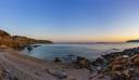 Η κρυφή παραλία της Αττικής με τα 99 σκαλοπάτια