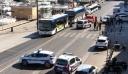Αυτοκίνητο έπεσε σε δύο στάσεις λεωφορείων στην Μασσαλία - Ένας νεκρός