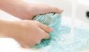 Τα λάθη που κάνετε όταν πλένετε ρούχα στο χέρι