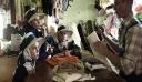 Οι κάτοικοί του ζουν όπως το '50 – Ρούχα και σπίτια άλλης εποχής [Εικόνες]