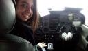 25η Μαρτίου: Συγκίνησε η 17χρονη Κρητικοπούλα που πέταξε με αεροπλάνο στην παρέλαση (βίντεο)