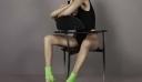 H Βella Hadid διαφημίζει παπούτσια αλλά σου είναι αδύνατον να επικεντρωθείς σε αυτά