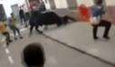 Ταύρος στην Ισπανία «πετάει» έναν άνδρα στον αέρα
