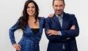 «Στα τραγούδια λέμε ΝΑΙ»: Απόψε η εκπομπή της ΕΡΤ1 τιμά το σατιρικό τραγούδι (trailer+photo)