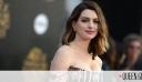 Η Anne Hathaway ποζάρει σαν σταρ του παλιού Hollywood στο «green carpet»
