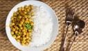 Ρεβίθια με ρύζι και κάρι