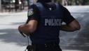 Οπλισμένος αστυνομικός απειλούσε να πυροβολήσει πίσω από την ΓΑΔΑ