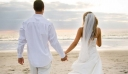 Νιόπαντροι πήγαν για μπάνιο στη θάλασσα και τους έκλεψαν τα δώρα του γάμου