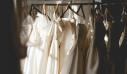3 τρόποι να κάνεις την ντουλάπα (άρα και τα ρούχα σου) να μυρίζουν τέλεια