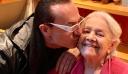 Ο Πανταζής βρέθηκε στο πλευρό της Μαίρης Λίντα στο Γηροκομείο Αθηνών!
