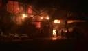 Μεγάλη φωτιά καίει εγκαταστάσεις εταιρείας τροφίμων στην Καλαμάτα