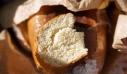 Ο τρόπος να ξαναγίνει το ψωμί σαν να το πήρες τώρα από τον φούρνο