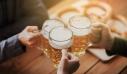 Ζυθοποιείο στη Γερμανία μοίρασε όση μπύρα δεν μπόρεσε να πουλήσει λόγω πανδημίας