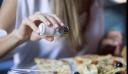 Τρείς περιπτώσεις που το σώμα μας προειδοποιεί να κόψουμε το αλάτι