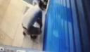 Κλέφτης επέστρεψε τα κλοπιμαία όταν ο μαγαζάτορας του έστειλε στο Facebook το βίντεο από τις κάμερες