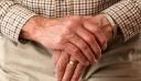Κάτω Αχαΐα: Τσακώθηκαν με ηλικιωμένο, τον χτύπησαν και τον λήστεψαν
