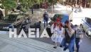 Πύργος: Αρνητής οδηγήθηκε στα δικαστήρια ντυμένος… τσολιάς (βίντεο)
