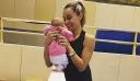 Η Βασιλική Μιλλούση ποζάρει αγκαλιά με την κόρη της [Εικόνες]