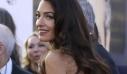 Το σμαραγδί φόρεμα της Amal Clooney είναι λόγος για ν' αρχίσεις να φοράς πράσινο