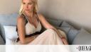 H Ελένη Μενεγάκη φόρεσε το λευκό φόρεμα που πρέπει όλες να έχουμε στην γκαρνταρόμπα μας