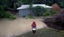 Το θάνατο 100 ανθρώπων προκάλεσαν οι καταρρακτώδεις βροχοπτώσεις στην Ινδία