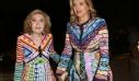 Η Μαριάννα και η Χριστιάνα Βαρδινογιάννη με παρόμοιες δημιουργίες Mary Katrantzou: η matchy-matcy τάση στα καλύτερά της