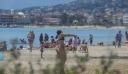 «Πλημμύρισαν» οι παραλίες της Αττικής από κόσμο στο πρώτο Σαββατοκύριακο άρσης των μέτρων