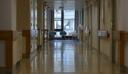 Κι όμως! Γονείς μπέρδεψαν τα δίδυμα παιδιά τους και πήγαν στο νοσοκομείο το… υγιές