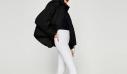 3 διαφορετικοί συνδυασμοί για το λευκό τζιν παντελόνι