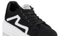 Τα νέα sneakers της Μαίρης Συνατσάκη είναι ό,τι πιο cool  θα δεις φέτος