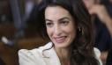 Το στιλιστικό κόλπο της Amal Clooney για μία ανοιξιάτικη πινελιά στο street look