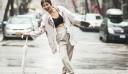 It's a rainy day: 10 σύνολα που μπορείς να φορέσεις όσο βρέχει ακόμη