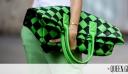 Πώς κρατάνε τη τσάντα τους όλα τα στυλάτα κορίτσια;