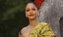 5 πράγματα που μπορεί να χωράει η μικροσκοπική τσάντα της Rihanna, εκτός από ένα τσιπάκι τόσο δα